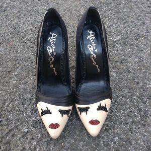 Alice & Olivia by Stacey Bendet Face Wink Heels